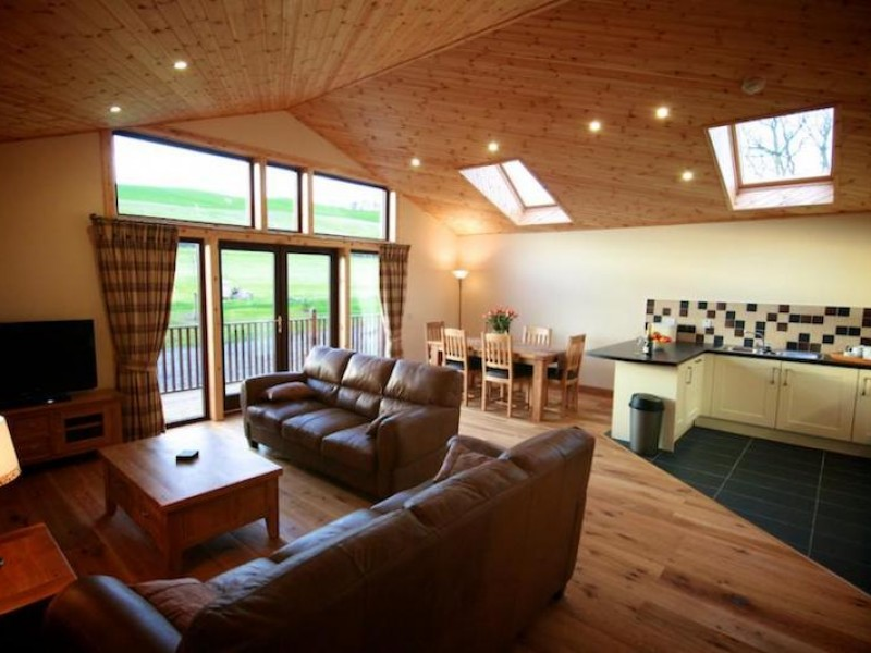 Plum Tree Lodge At Milton Farm Lodges
