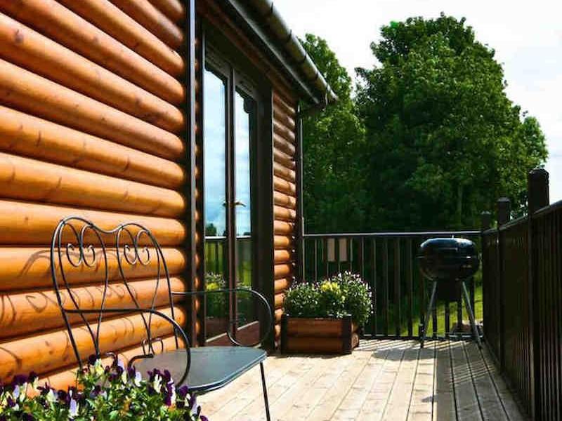 Plum Tree Lodge At Milton Farm Lodges