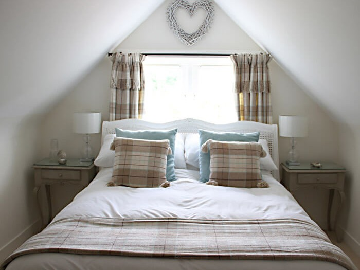 Bramble Cottage - Romantic Retreat