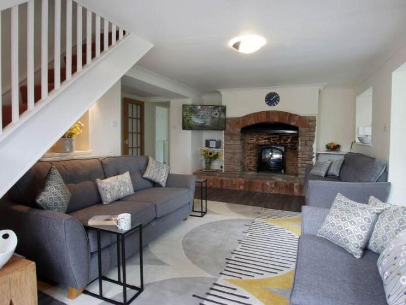 Old Barn House - living room