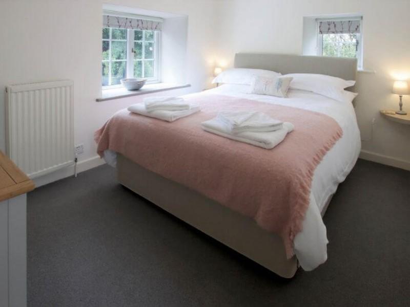 Old Barn House - Bedroom: Rowan