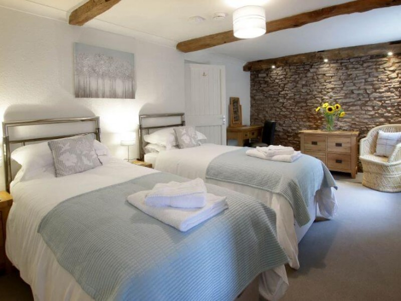 Old Barn House - downstairs bedroom 'Sycamore'