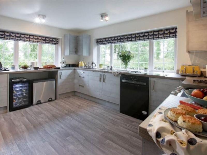 Old Barn House - kitchen