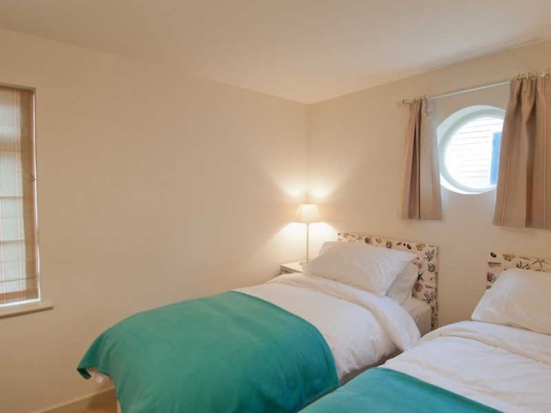 Twin Room with porthole