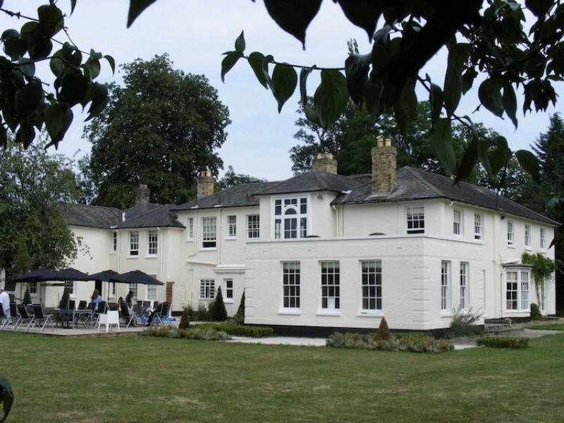 Pettistree House