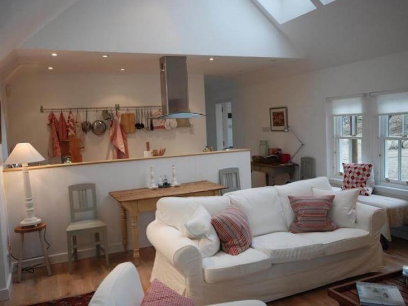 Comfy romantic cottage