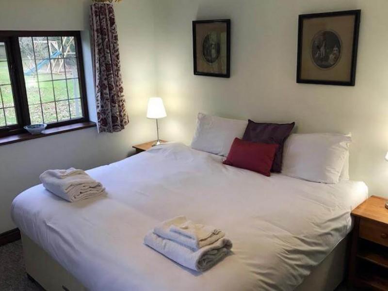 Mounts View double bedroom 2