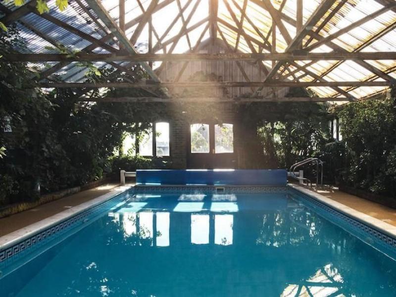 Pekes heated Swimming Pool