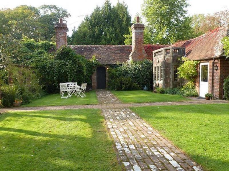 The Wing garden