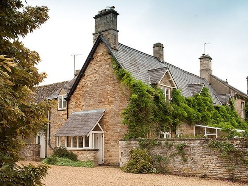Traditional cottage with modern details