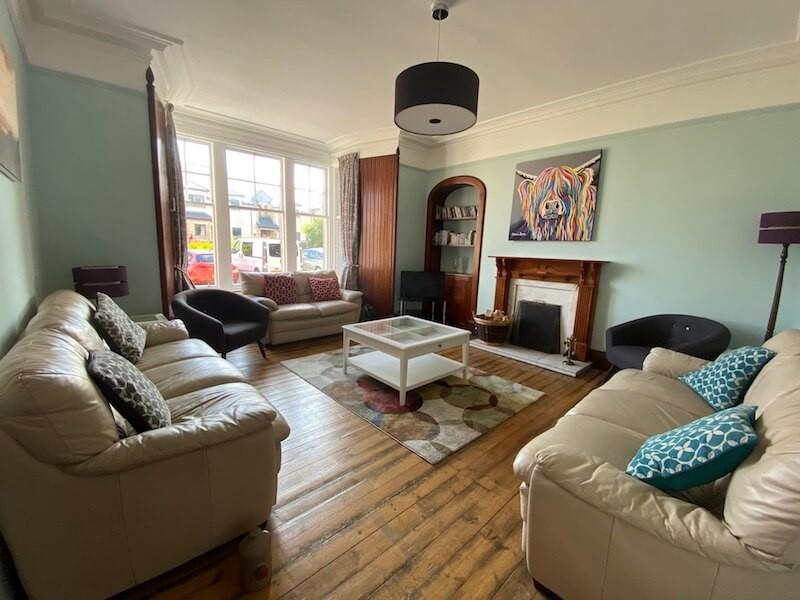 The Shelter Stone livingroom