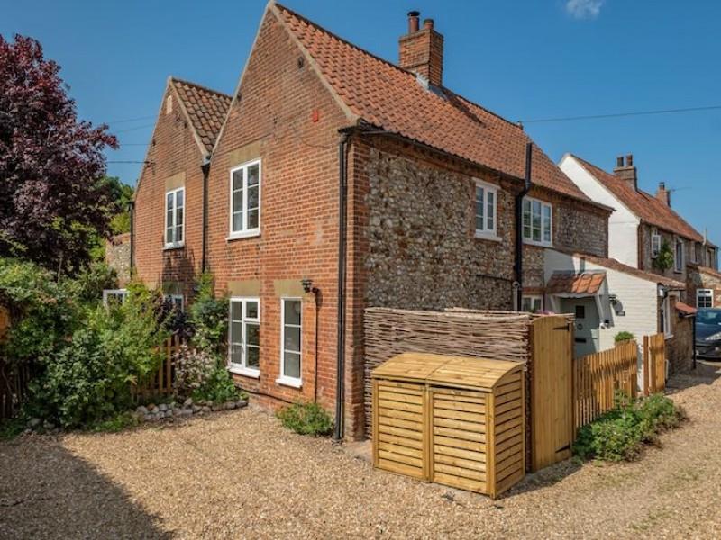 Ivy Cottage, Docking