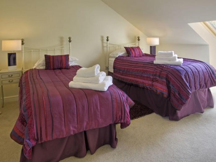 Twin Rooms Sea Dreams Cottage