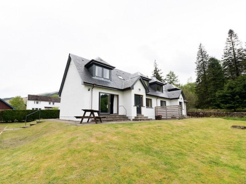 Capercaillie Cottage At Portnellan