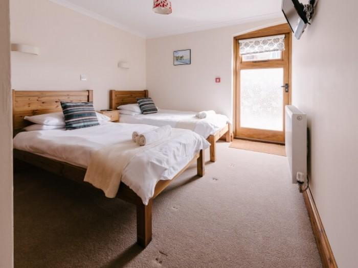 Twin en suite bedroom.