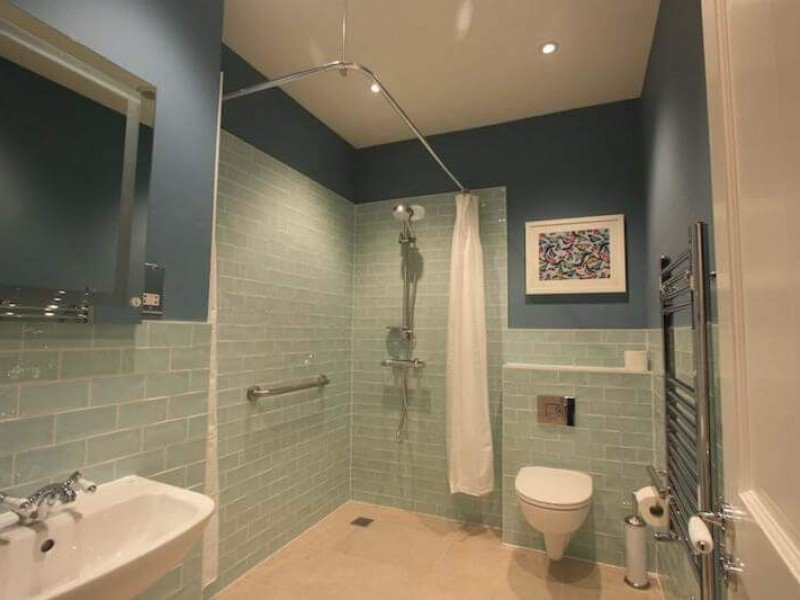 The wet room, ensuite