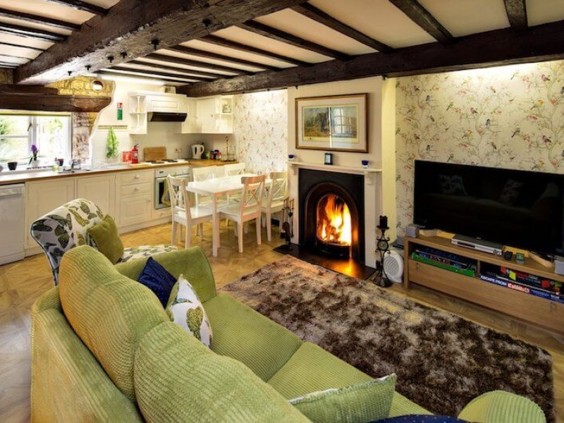 Yew Tree Cottage At River Nene Cottages