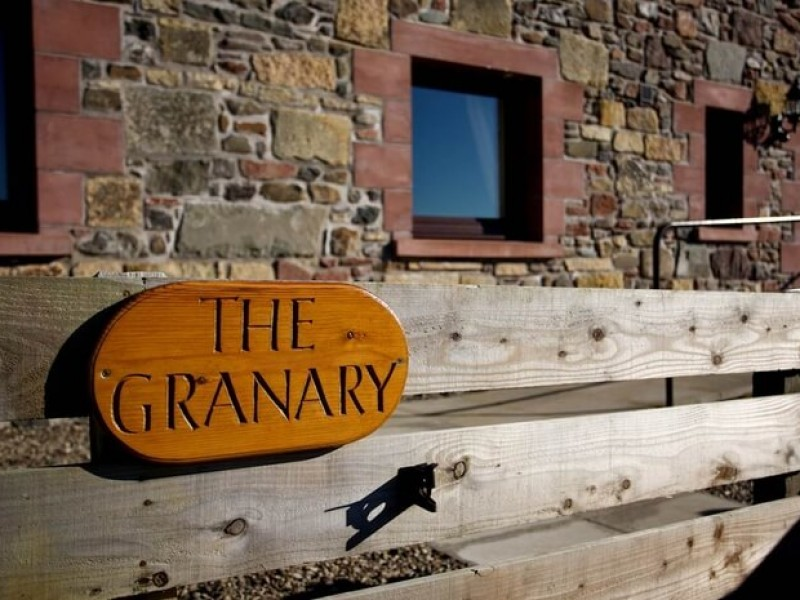 The Granary Cottage - Secluded country cottage near Perth