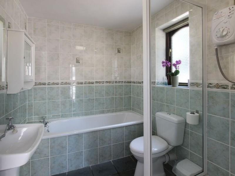 Swingletree bathroom