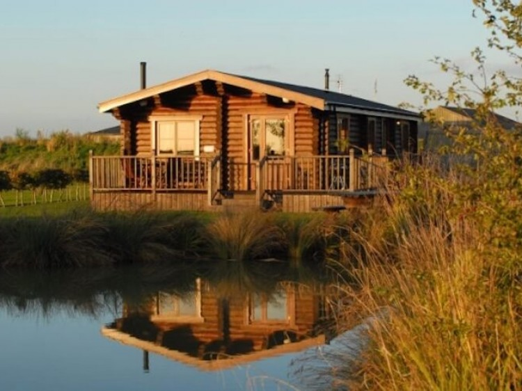 Woodpecker Lodge At Windmill Lodges