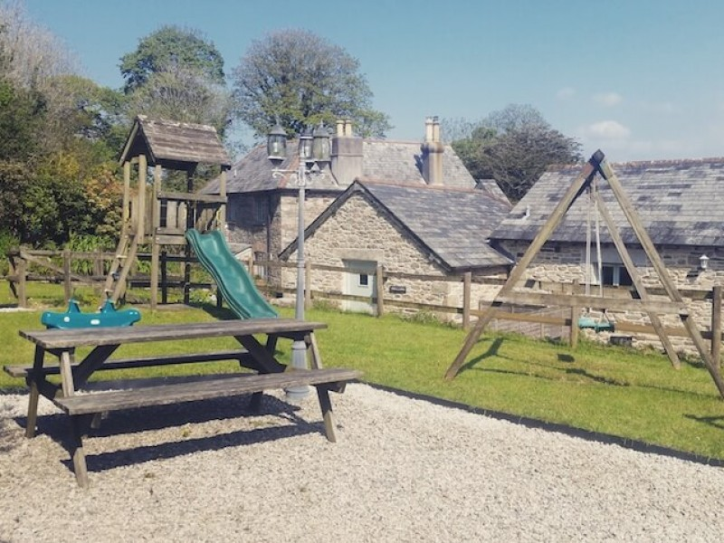 Swallows Barn At Fenteroon Farm Holiday Cottages