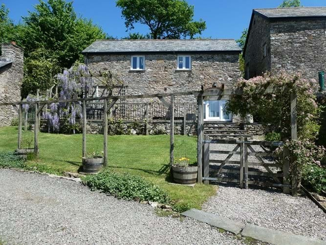 Nutcombe Cottage At Nutcombe Holiday Cottages