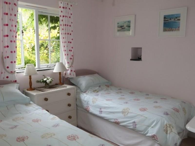 Hollyhock - third bedroom