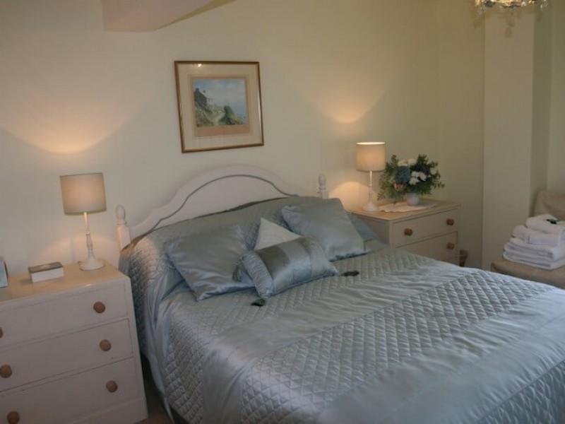Hollyhock  - main bedroom