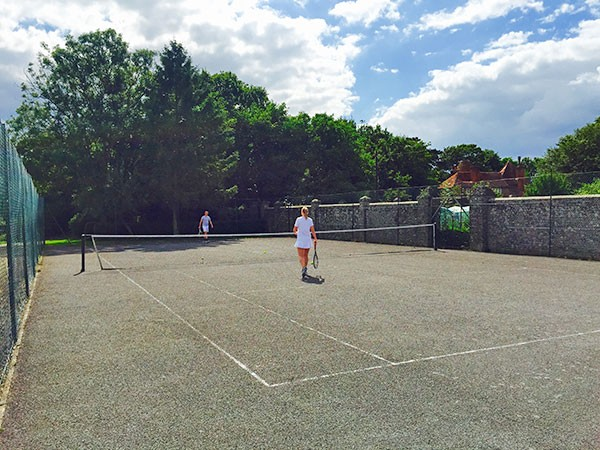 Pekes Tennis court