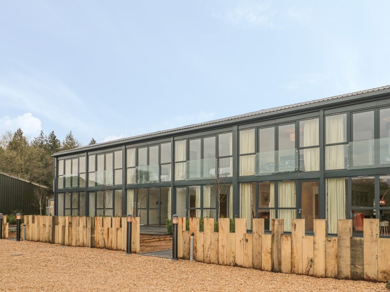 1 Seagry Barn