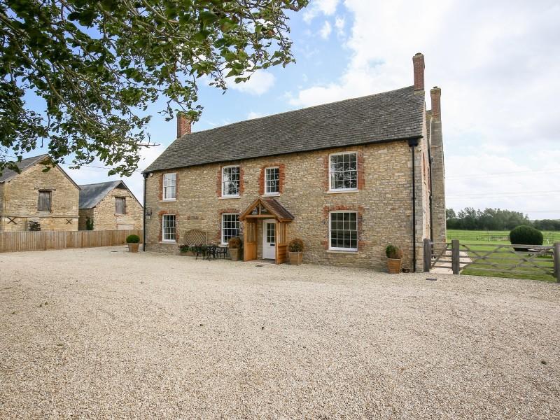 Shifford Manor Farm