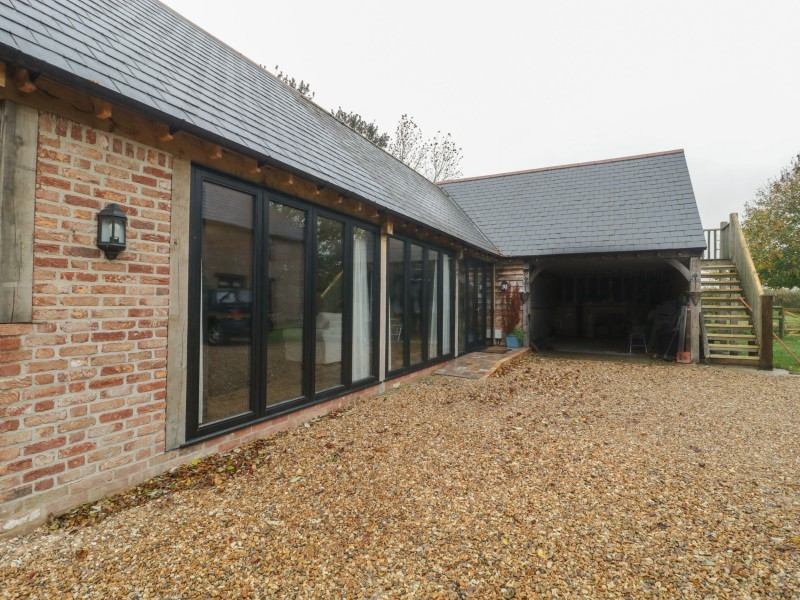 The Courtyard - Hilltop Barn