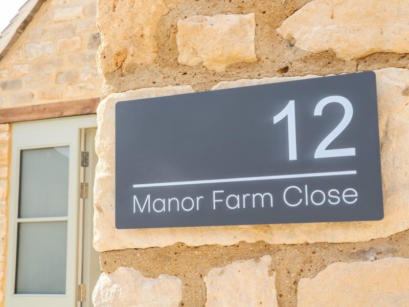 12 Manor Farm Close
