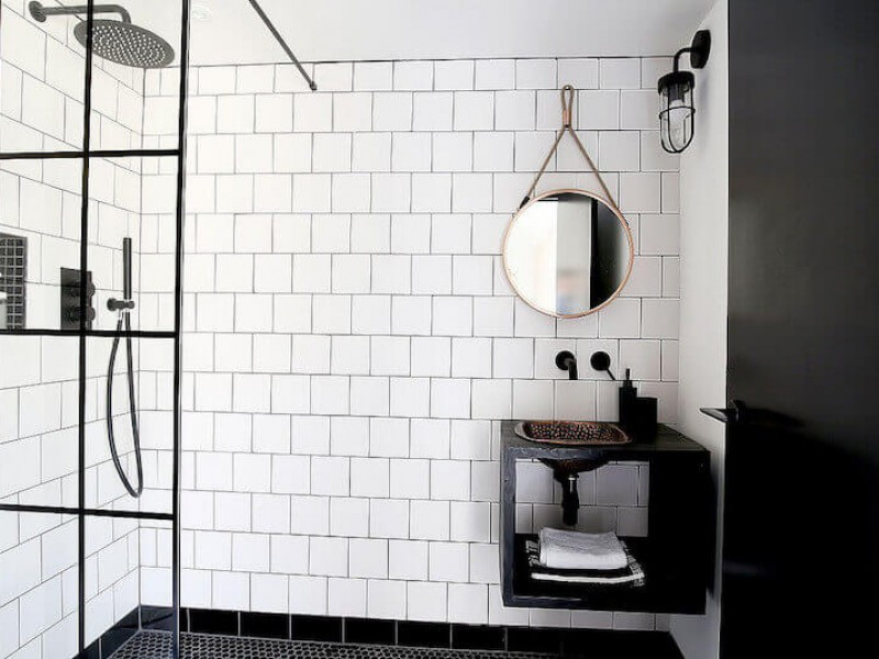 Wetroom in monochrome design. Photography www.latentimages.co.