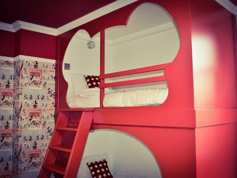 Walt Disney bedroom