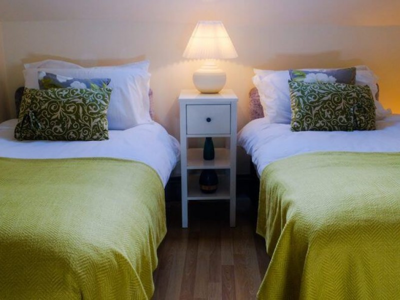 Bedroom can have either twin singles or a double bed