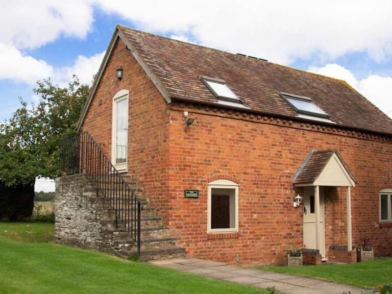 The Granary At Phepson Farm Cottages
