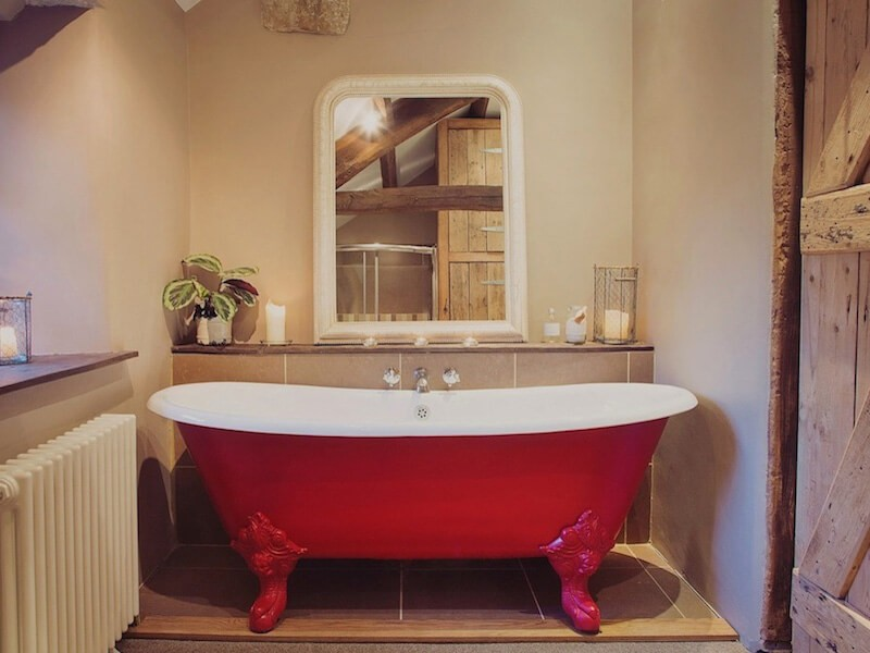 Shepherd's Cottage matching indoor roll top bath