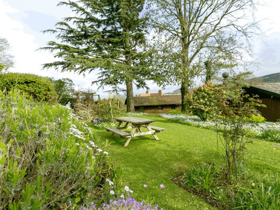 April Cottage At Woodcombe Lodges And Cottages