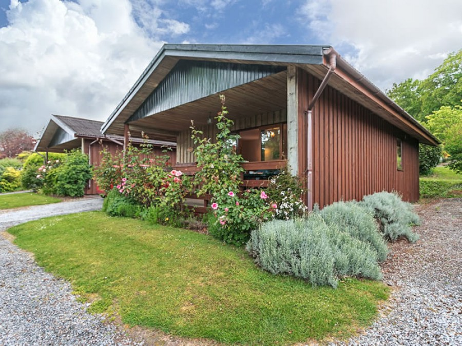 Cedar Lodge At Woodcombe Lodges And Cottages