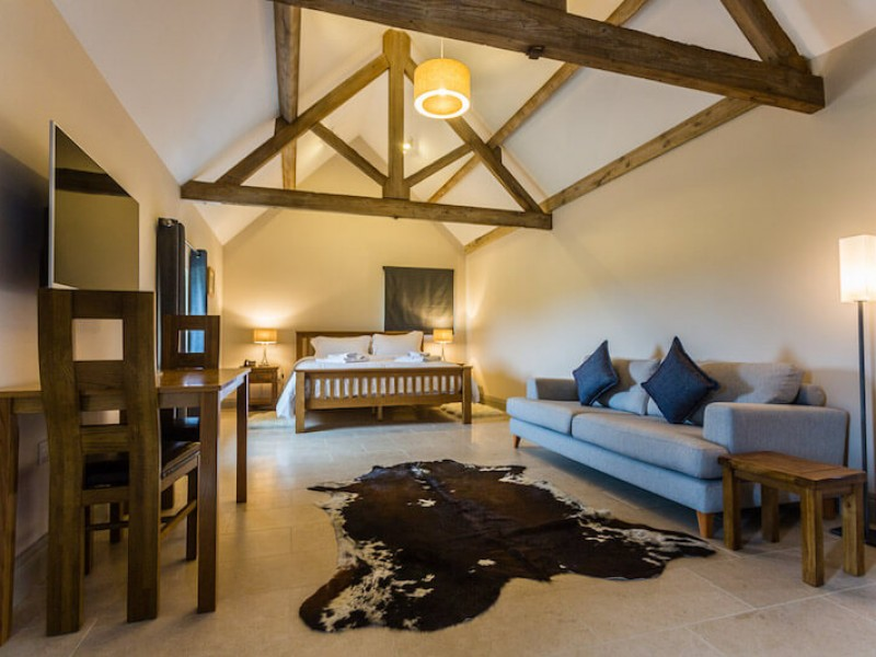 Huge bedrooms, superking beds, all ensuite with luxury linens, towels and robes