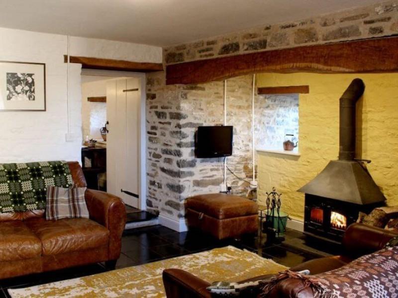 Thatched Cottage At Treberfedd Farm