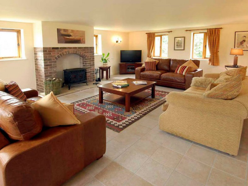 Kingfisher Cottage At The Dinney