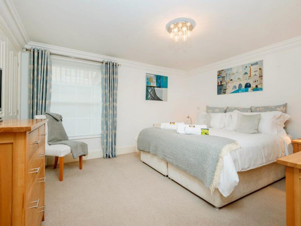 3 Herschel Place Master Bedroom with Superking Bed