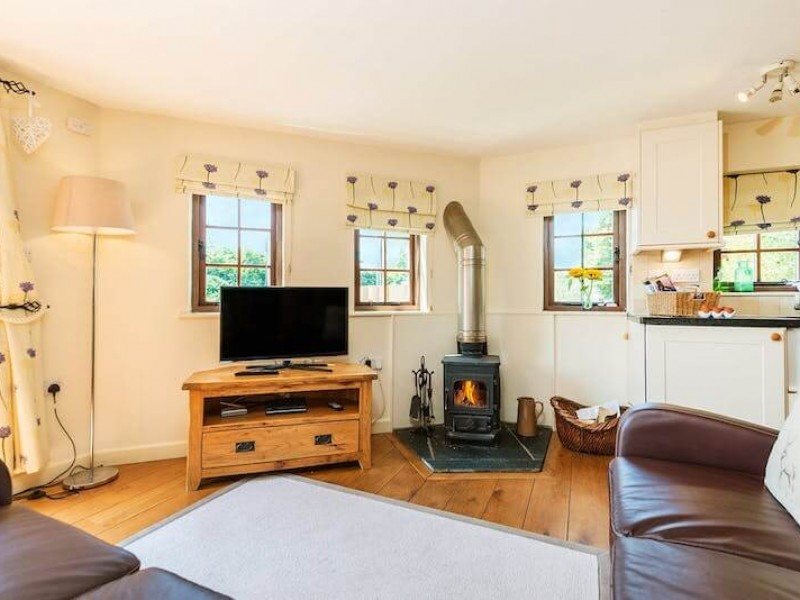 The Treehouse At Lavender Hill Holidays