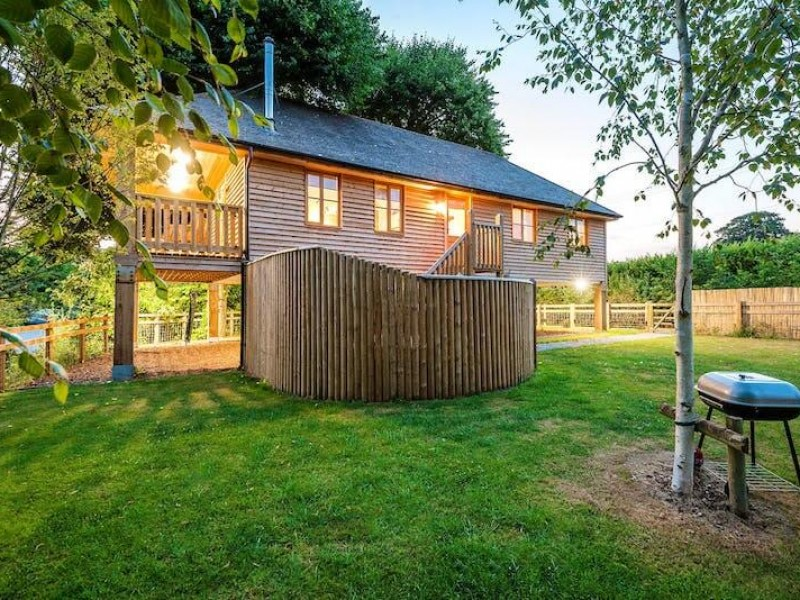 The Apple Tree House At Lavender Hill Holidays
