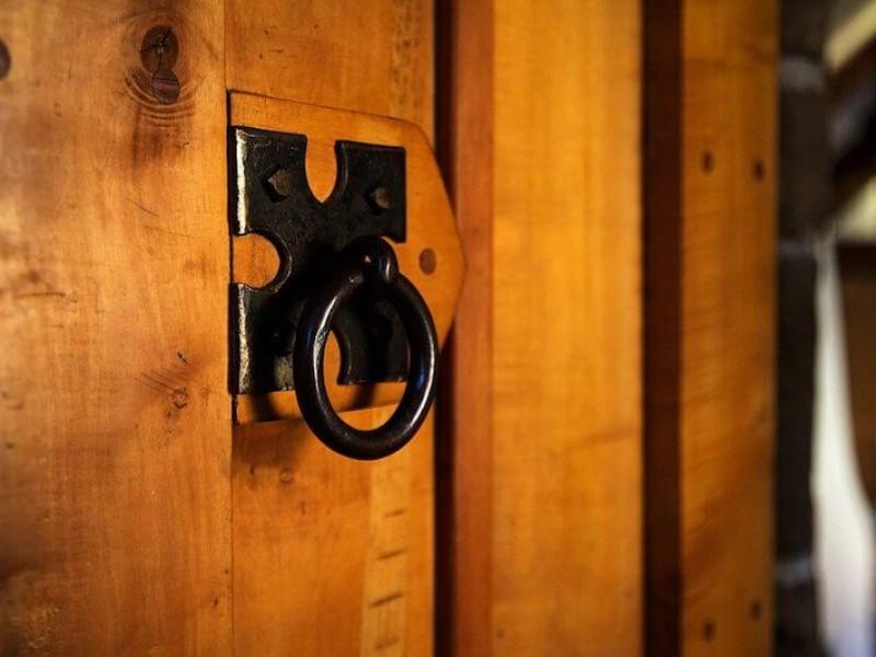Passageway Door Detail Beechnut