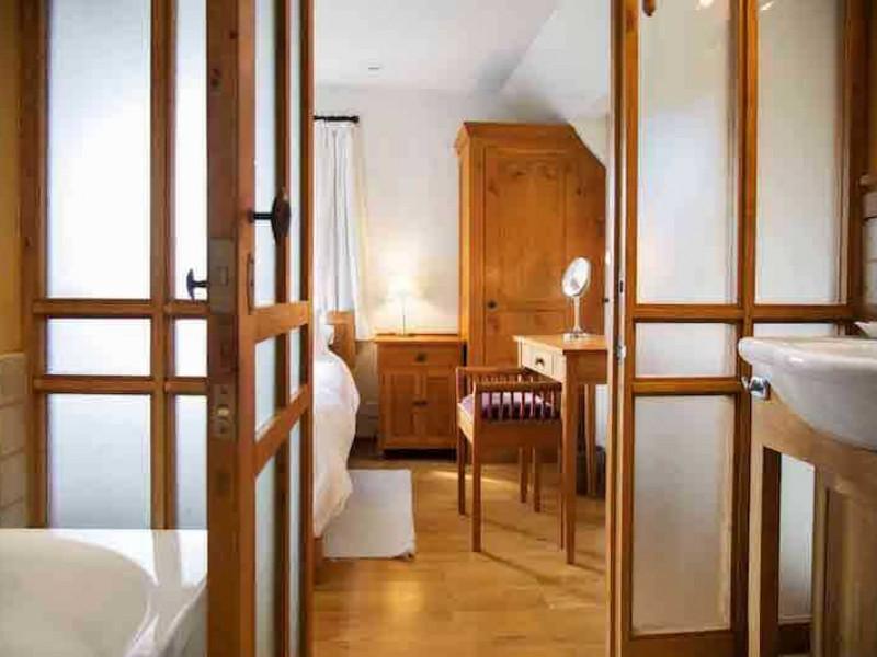 Cobnut Back Bedroom Ensuite Bathroom