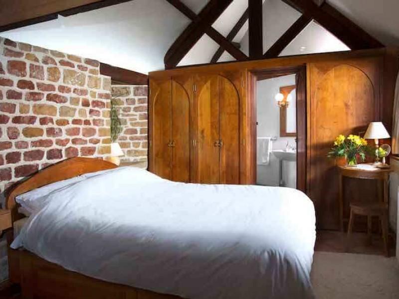 Hazelnut Bedroom & En-Suite Bathroom