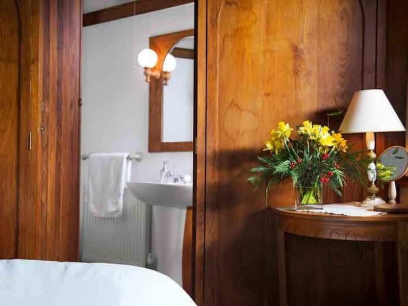 Hazelnut Bed & En-Suire Bathroom